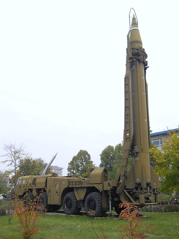 576px-Scud_missile_on_TEL_vehicle,_National_Museum_of_Military_History,_Bulgaria